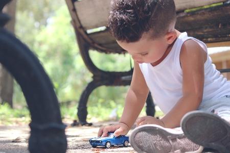 Что делать, если ребенок не умеет общаться