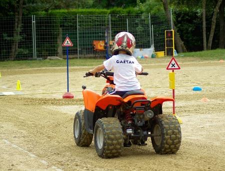 Правила дорожные детям знать положено